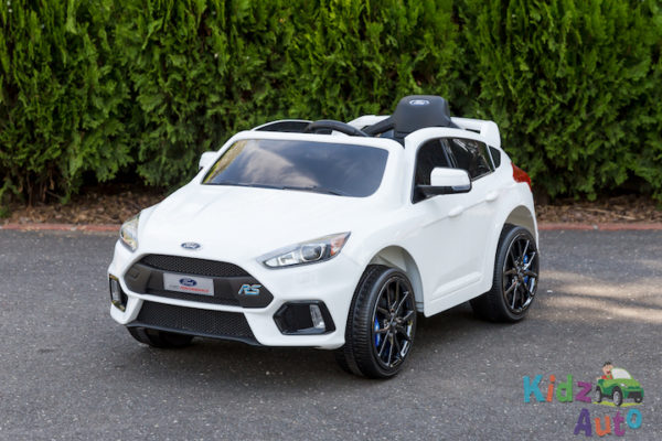Licensed Ford Focus - White - Profile